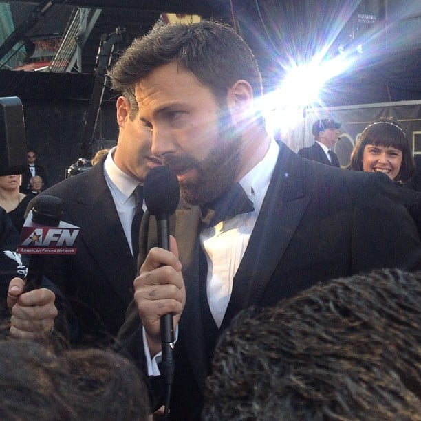 Ben Affleck chatted with reporters on the red carpet. Source: Instagram user popsugar