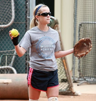 Photos of Reese Witherspoon Playing Softball in LA 2009-05-27 16:30:21