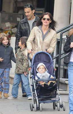 Jill Hennessy Strolls With the Family in NYC