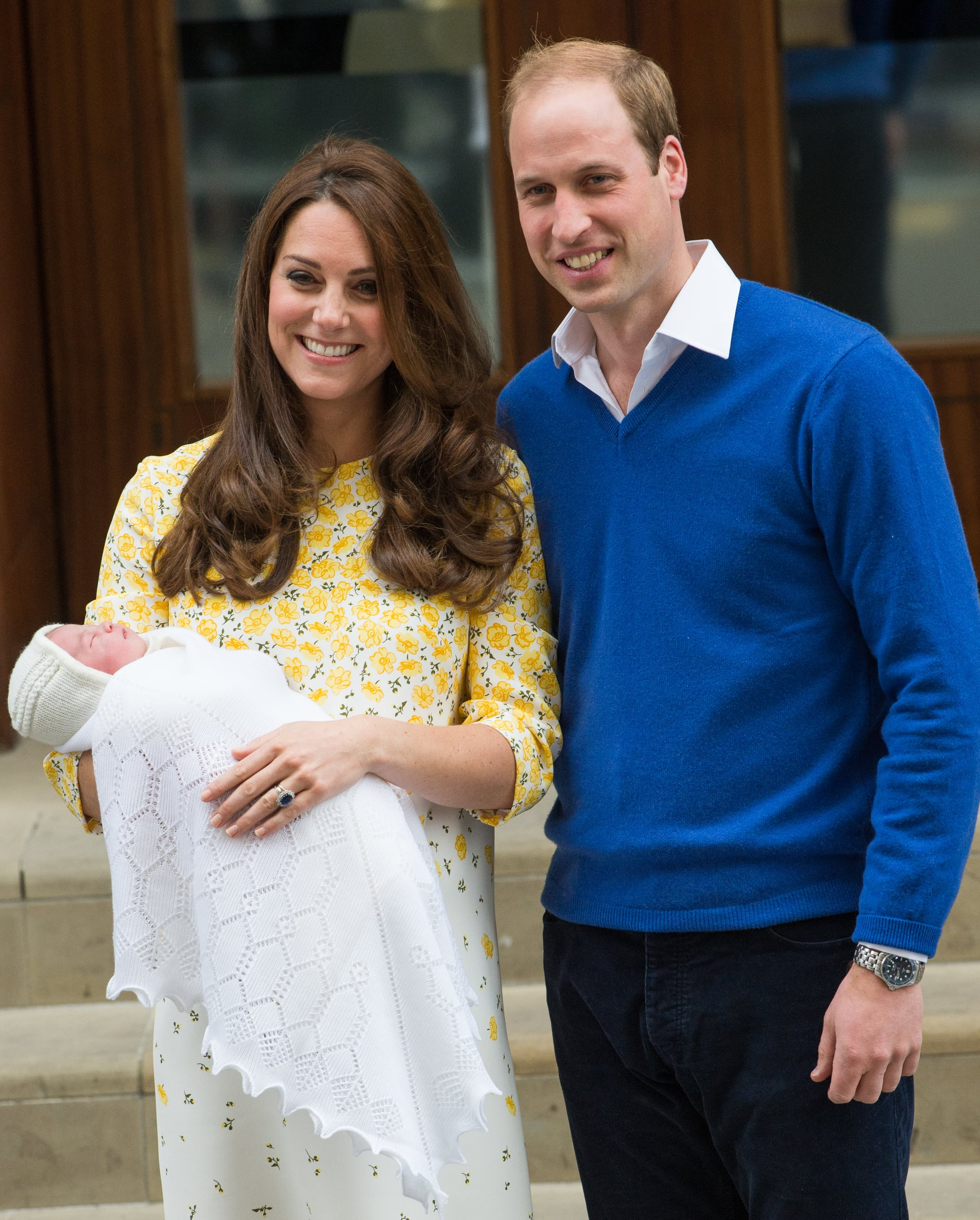 LONDON, ENGLAND - MAY 02:  Prince William, Duke of Cambridge and Catherine, Duchess of Cambridge depart the Lindo Wing with their new baby at St Mary's Hospital on May 2, 2015 in London, England.  (Photo by Samir Hussein/WireImage)