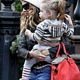 Sarah Jessica Parker carried her daughter Loretta.