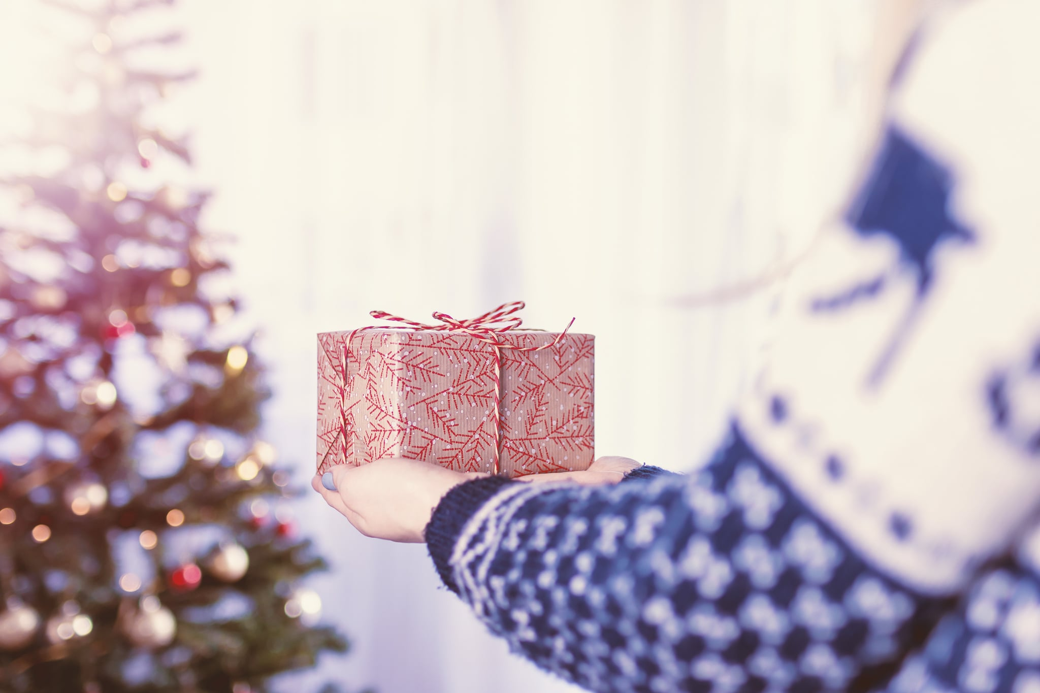 How Much Should You Spend on Holiday Gifts For Each Child ...