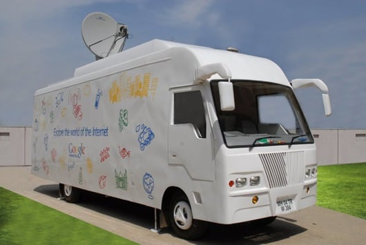 Daily Tech: Google's Net Bus Spreads Web Love Around India