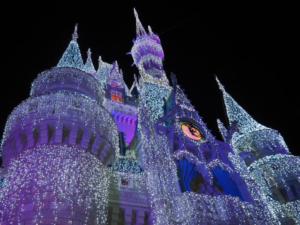 reasons you should visit disney world at christmas - Disneyworld Christmas