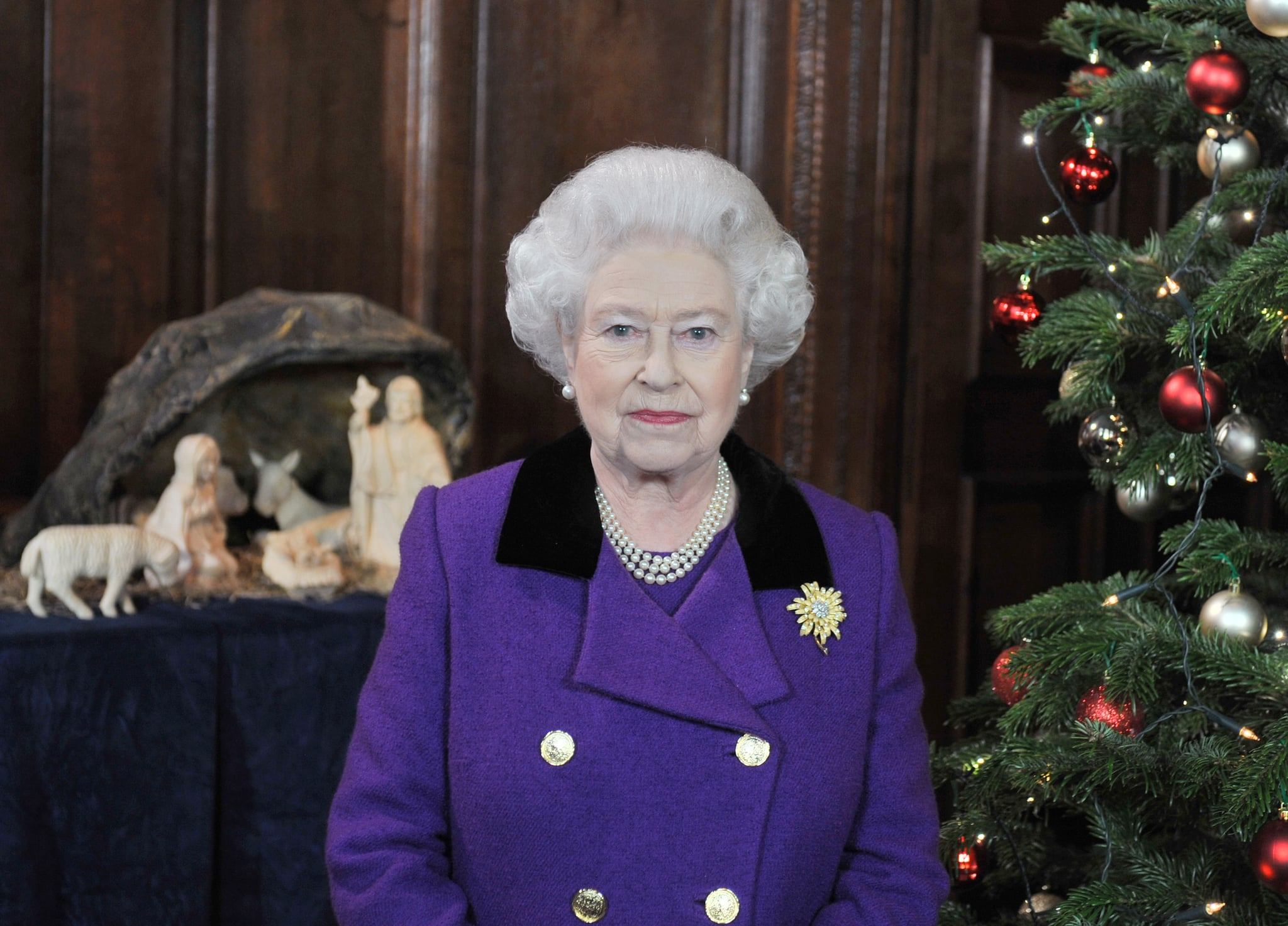 Queen elizabeth ii posed for pictures ahead of recording