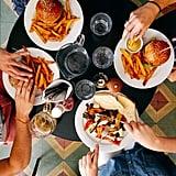 ادعوا أصدقاءكم لتناول العشاء