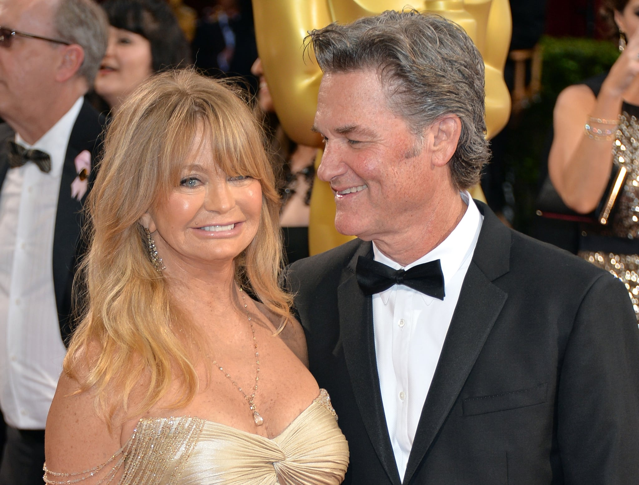 Kurt Russell And Goldie Hawn Watching Overboard Movie Popsugar Celebrity