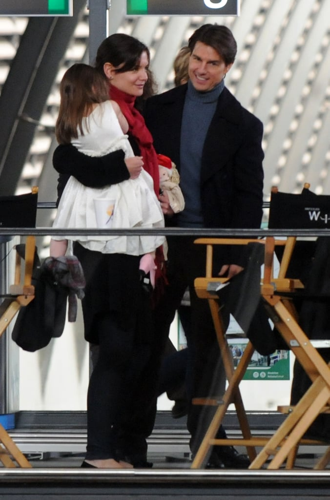 Photos of Tom Cruise and Katie Holmes Kissing on the Set of Knight and Day