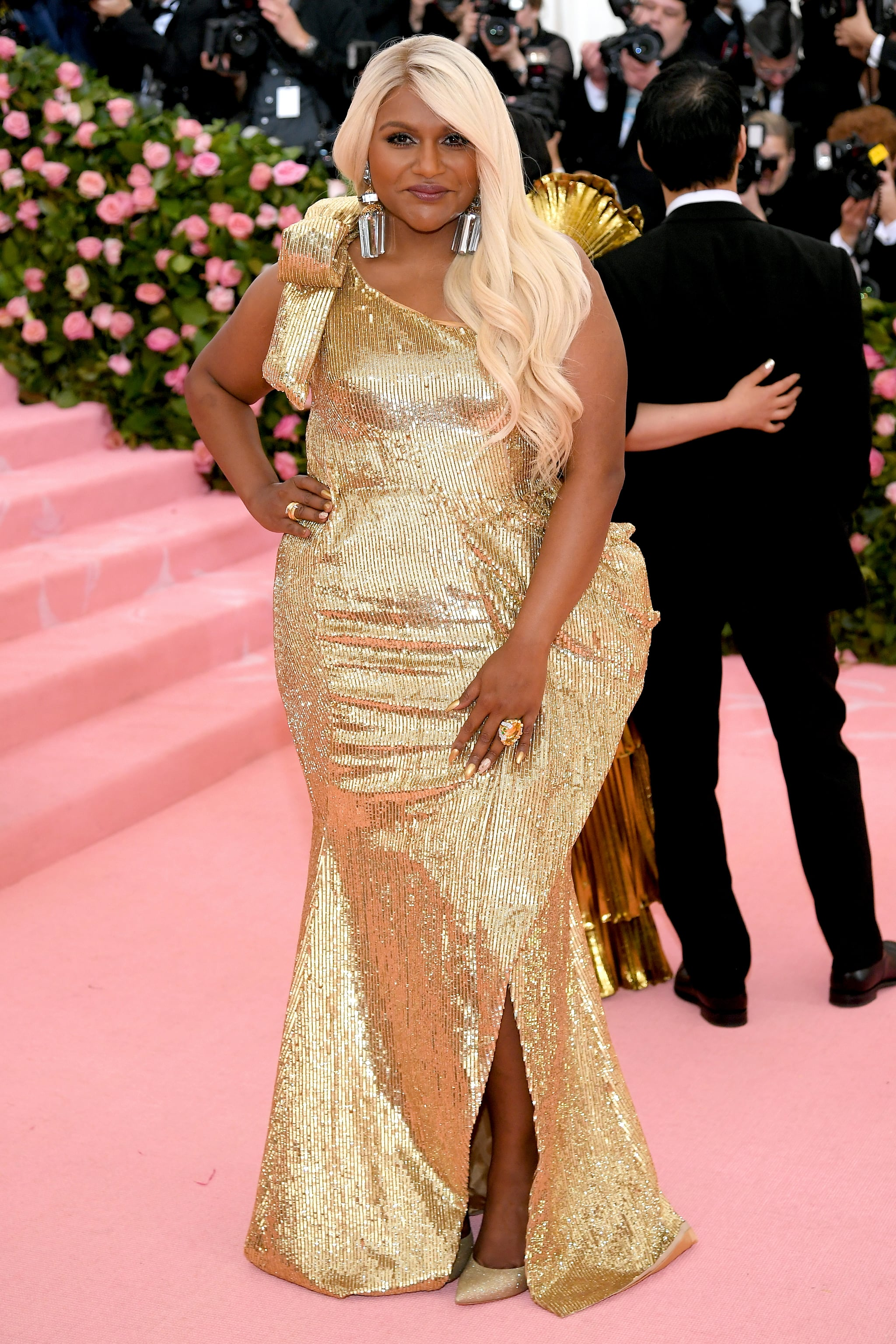 Mindy Kaling At The 2019 Met Gala These Met Gala Looks Are Dramatic Enough To Entertain You For The Rest Of The Year Popsugar Fashion Photo 240