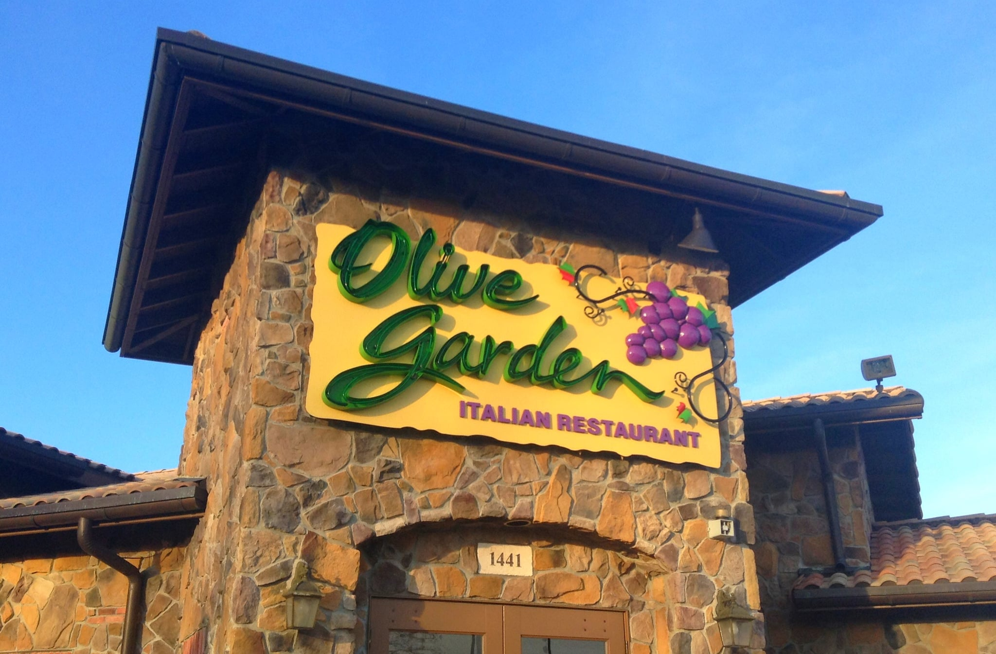Olive garden secrets revealed popsugar food for Take me to the nearest olive garden