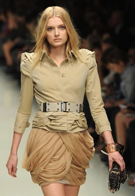 Burberry Autumn 2010 Show to Be Shown in 3-D Around the World