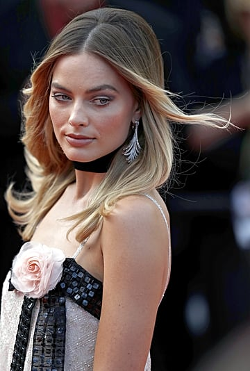 Margot Robbie's Chanel Red Carpet Outfit at Cannes 2019