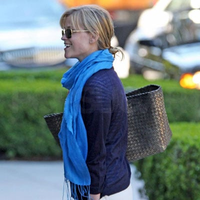 Reese Witherspoon Out in LA 2008-03-18 22:38:46