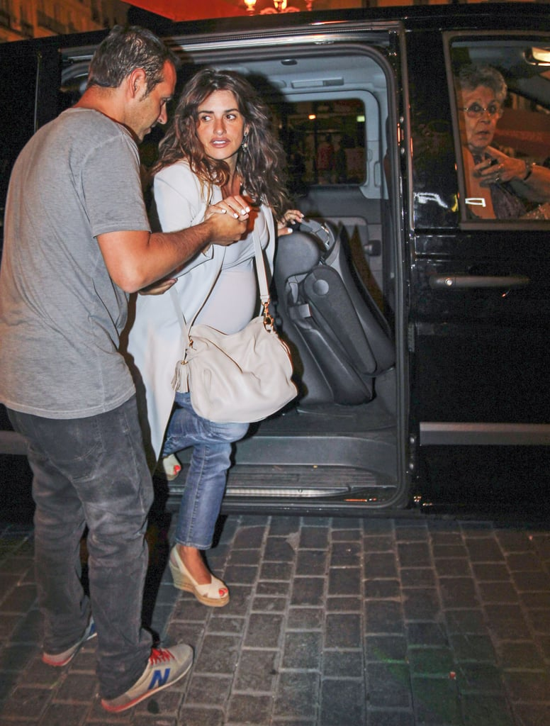 Penélope Cruz arrived for dinner in Madrid.