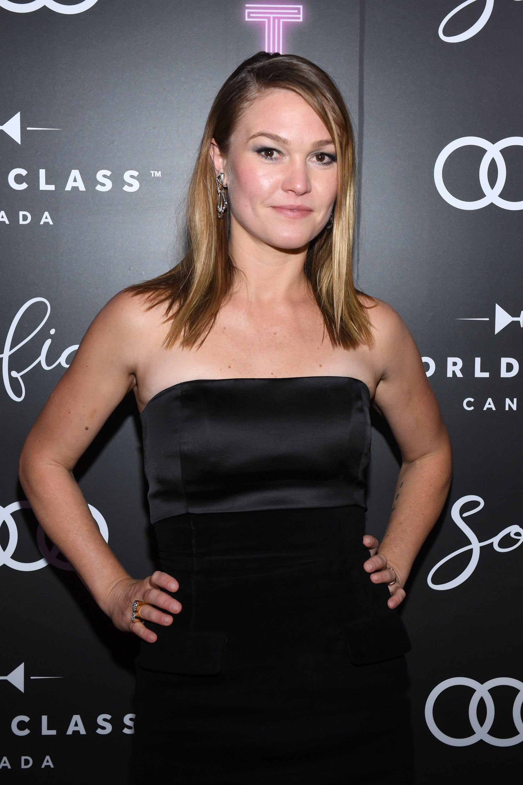 Julia Stiles At The Hustlers Premiere In Toronto The Cast