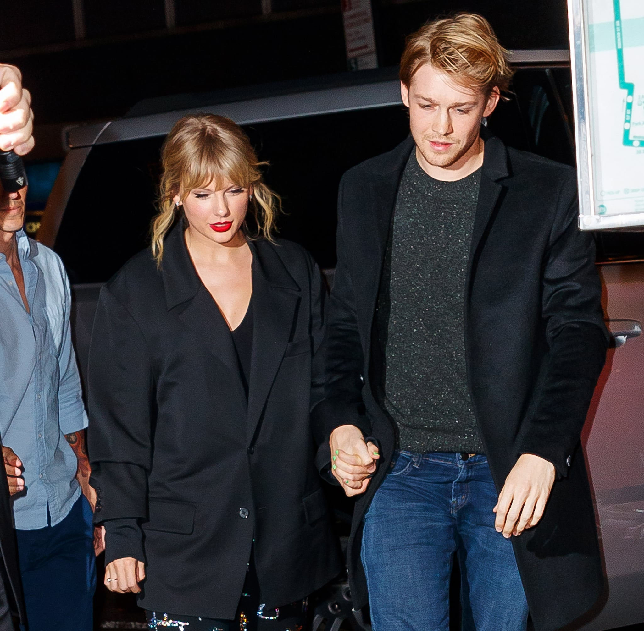 NEW YORK, NEW YORK - OCTOBER 06: Taylor Swift and Joe Alwyn arrive at Zuma on October 06, 2019 in New York City. (Photo by Jackson Lee/GC Images)
