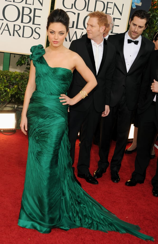 Mila Kunis Is Sexy and Sizzling in Green on Golden Globes Red Carpet