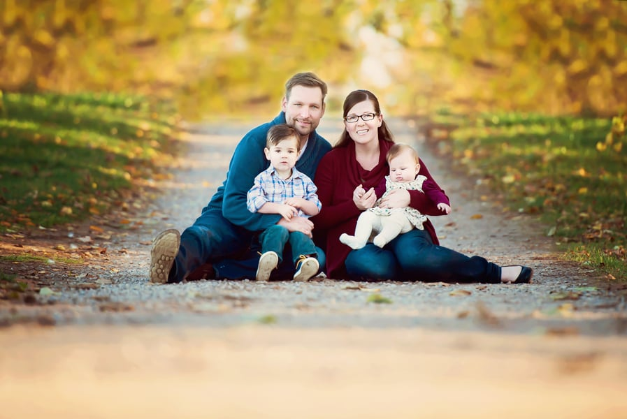 Fall family portrait ideas popsugar moms for Family of 4 picture ideas