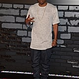 Kendrick Lamar posed for pictures on the VMAs red carpet.