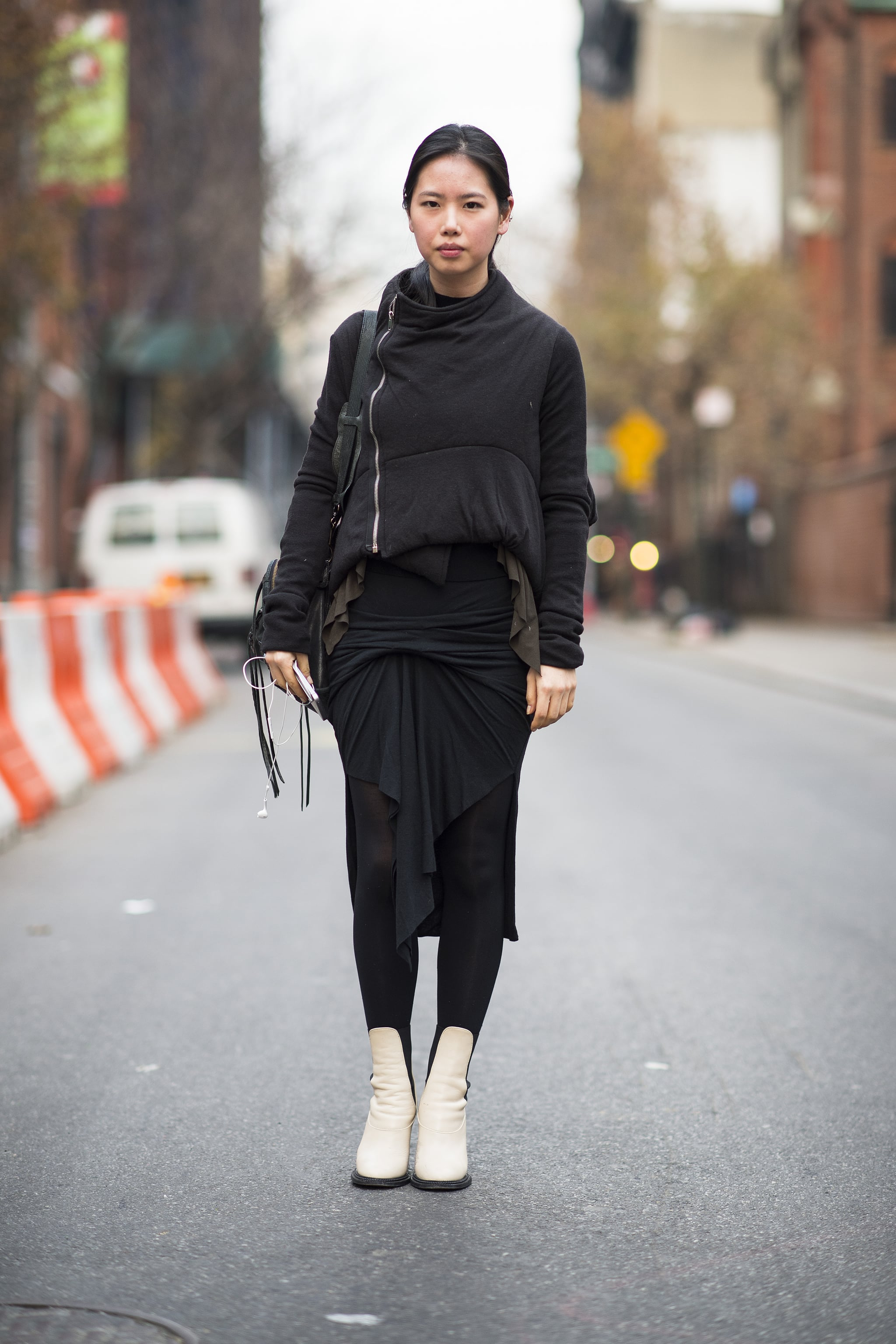 Bundling up can look downright artistic with the right draping.  Source: Le 21ème | Adam Katz Sinding