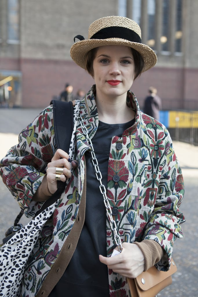 Hats off to this fashion blogger for pairing her vintage cap with a gorgeous red lip.