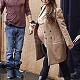 Pictures of Pregnant Penelope Cruz Shopping in LA 2010-12-22 16:42:04