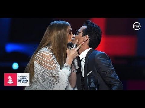 """""""Olvídame y Pega la Vuelta"""" at the Latin Grammys in 2016"""
