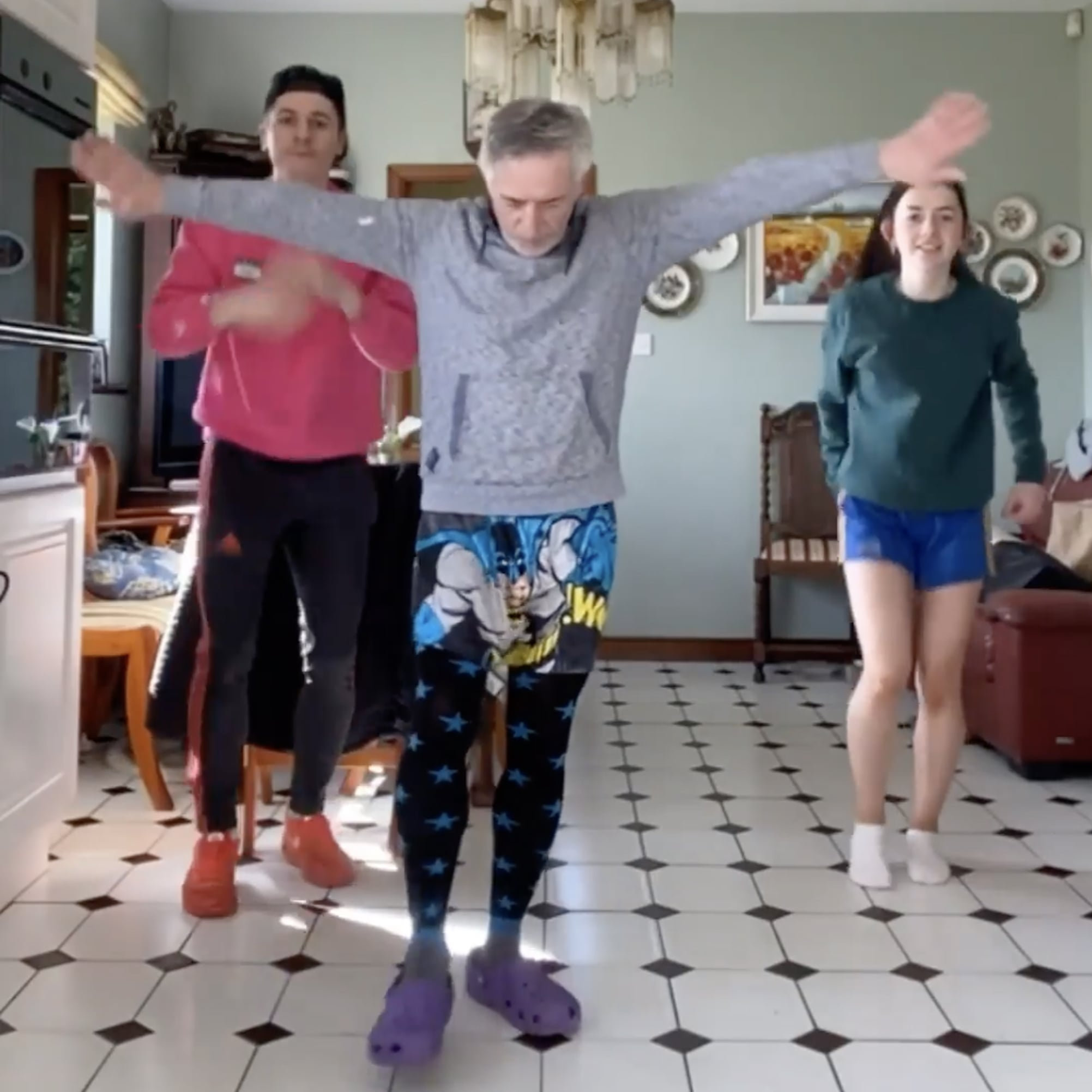 Watch This Irish Dad Learn A Tiktok Dance With His Kids Popsugar Family