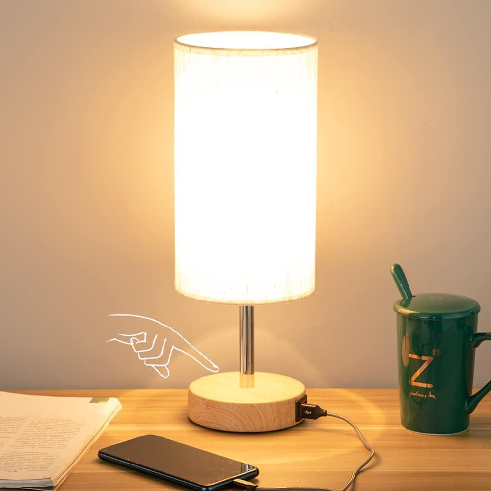 A Tech-Savy Nightlight: Touch Control Bedside Lamp With USB Port