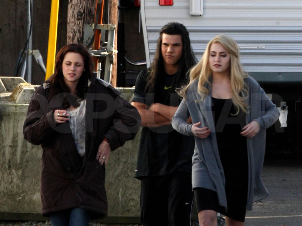 New Moon Cast Films in Vancouver