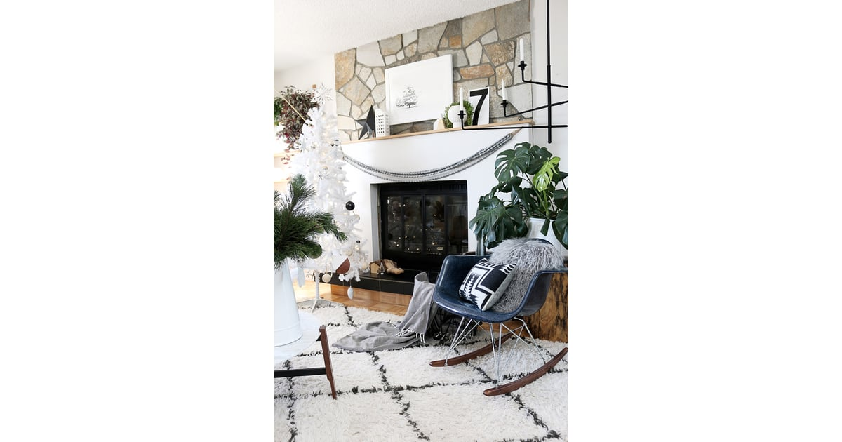 Modern black and white decor 13 modern holiday for Home design influencers