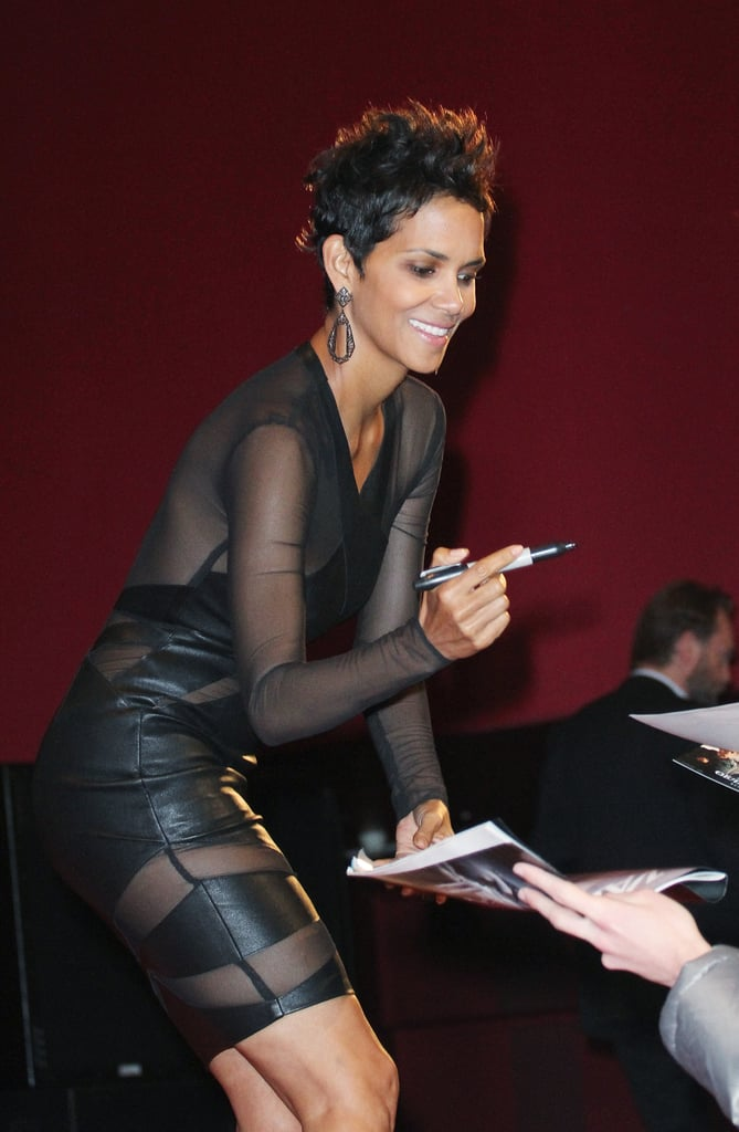 Halle Berry signed autographs.