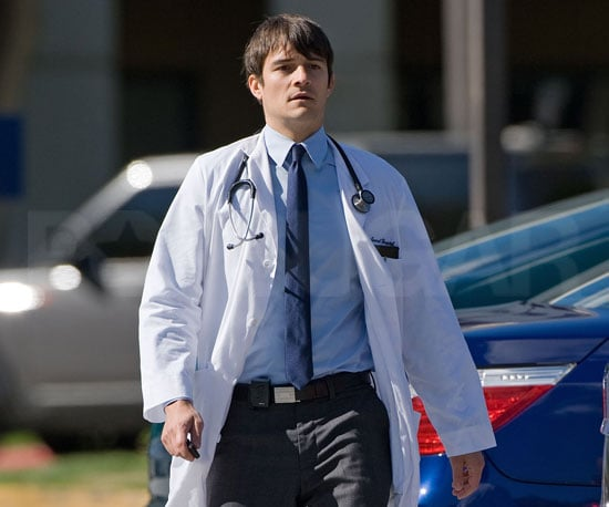 Slide Photo of Orlando Bloom on The Good Doctor Set
