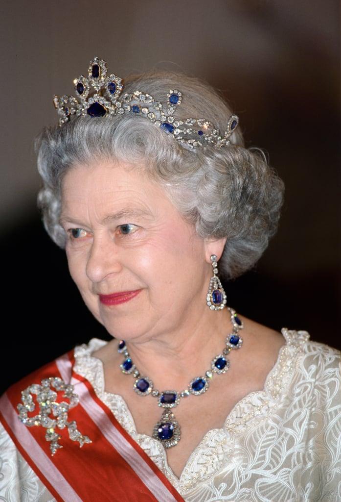 طقم المجوهرات الفيكتوري الذي أهداها إياه الملك جورج الخامس