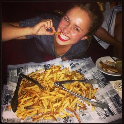 Hayden Panettiere munched on French fries. Source: Twitter user haydenpanettier