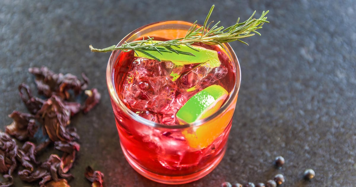 This Cranberry Kombucha Mocktail Will Help to Stabilise Your Moods