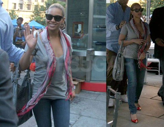 """Photos of Beyonce in NYC And Listen To Stand Up to Cancer """"Just Stand Up"""" Single"""