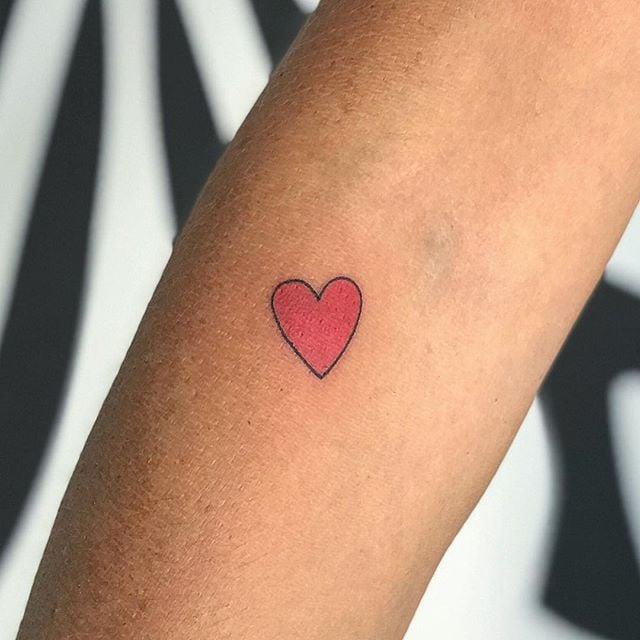 703102e0e70d7 Tiny Heart Tattoos   POPSUGAR Beauty