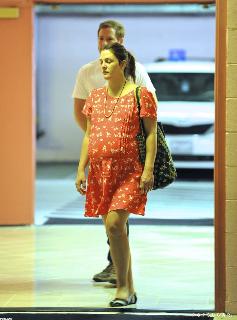 Pregnant Drew Barrymore With Her Husband   Pictures