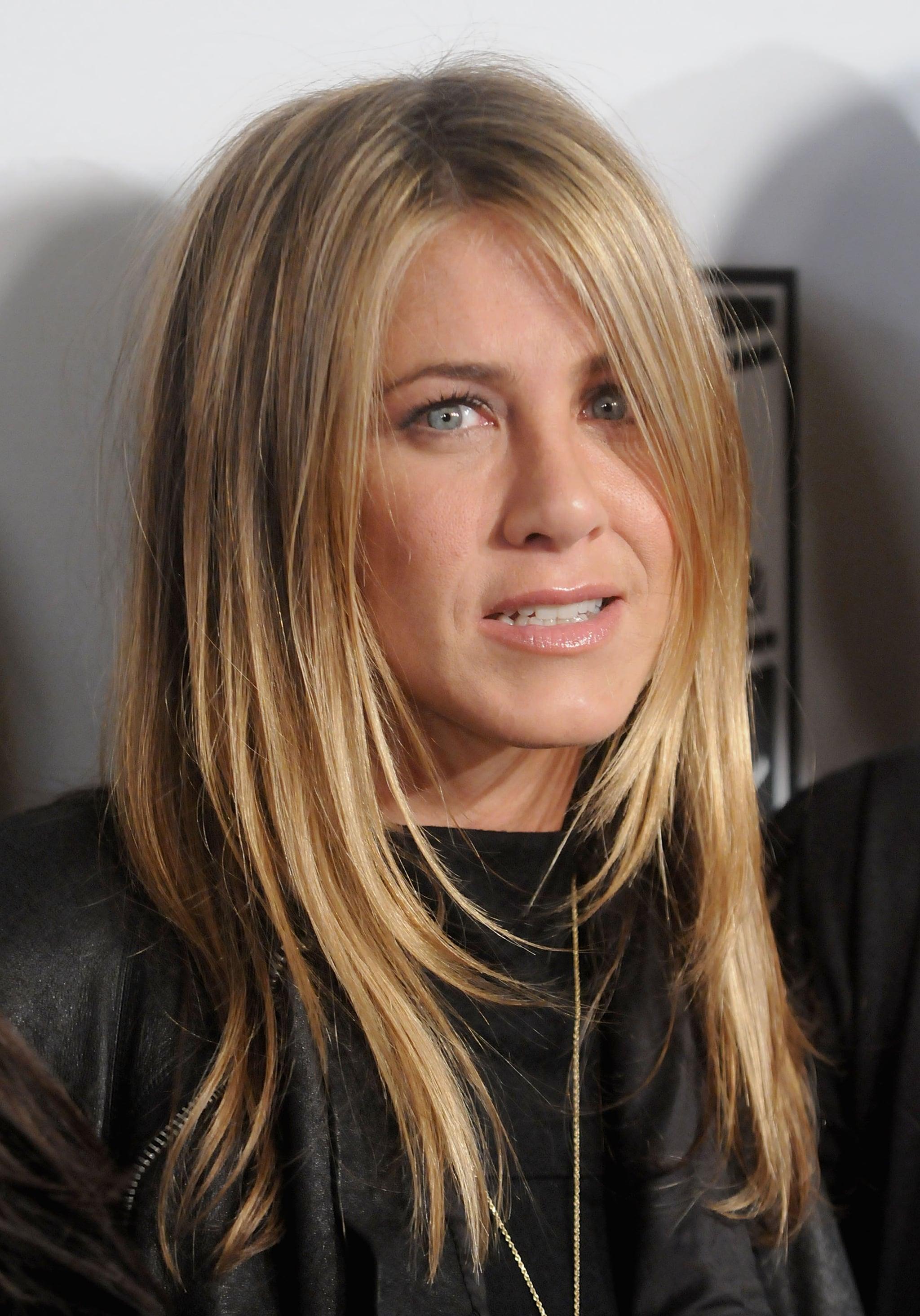 Photos of Jennifer Aniston, Demi Moore, Liev Schreiber ... Emily Blunt Sing