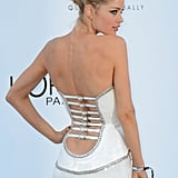 Wow — the back of Doutzen's Versace dress is supersexy without showing too much.