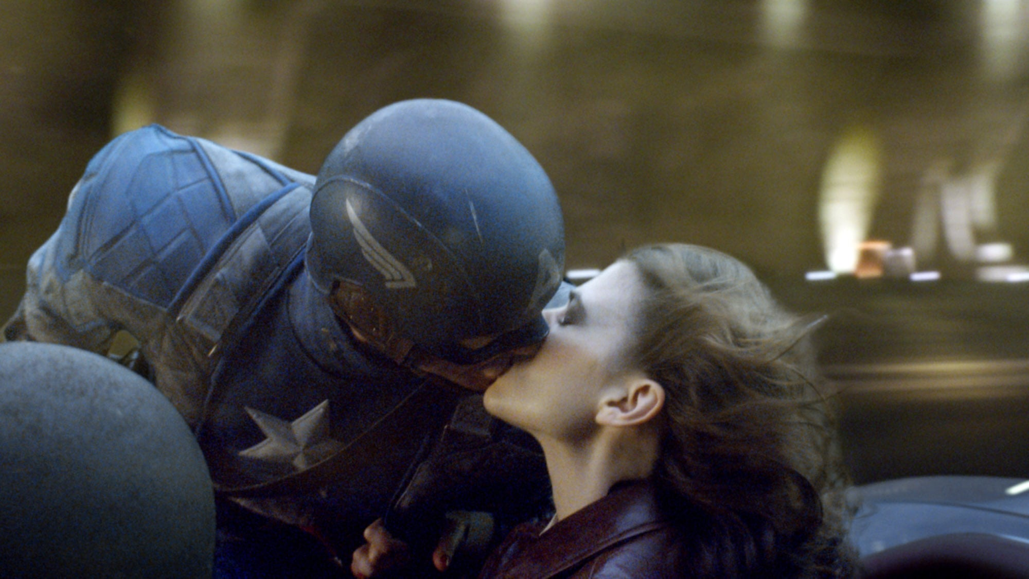 who does captain america love