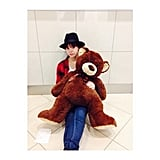 Hailee Steinfeld beat layover blues and cuddled with a fuzzy friend at the airport. Source: Instagram user haileesteinfeld