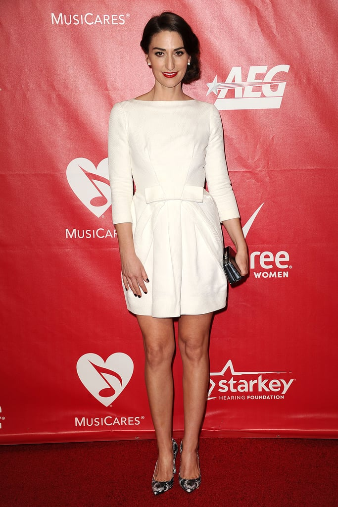 343942be51 Sara Bareilles walked the red carpet before performing at the 2014 ...