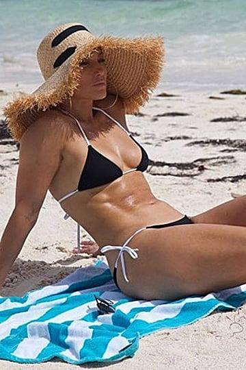 Jennifer Lopez Sexy Swimsuits