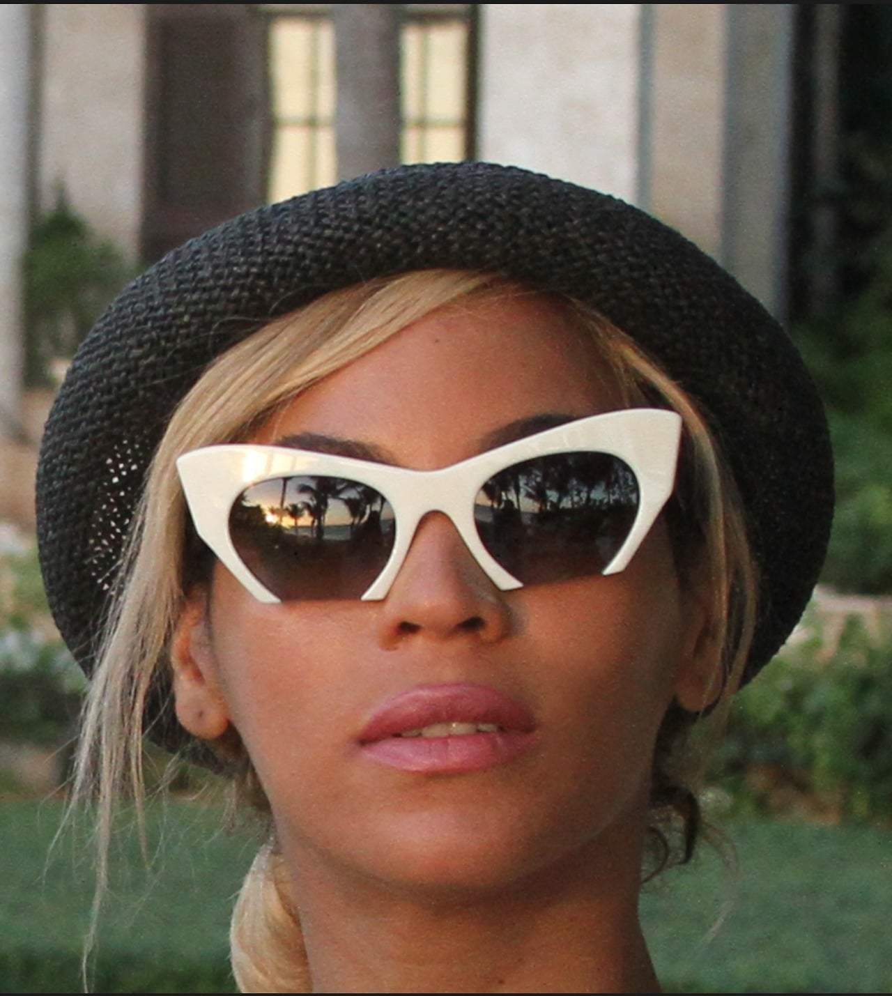 Statement shades are always a must.  Source: Tumblr user Beyoncé Knowles