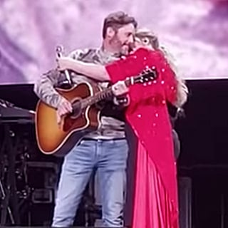 """Kelly Clarkson's """"Piece by Piece"""" Performance Got Extra Emotional When Her Husband Surprised Her"""
