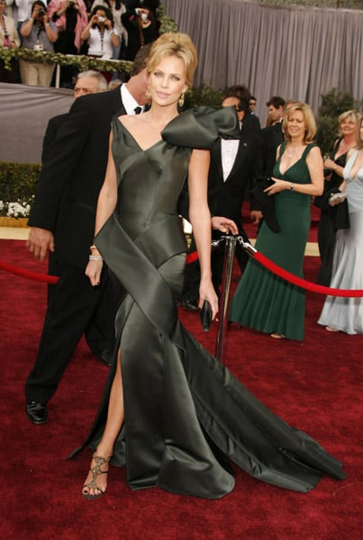 Charlize Theron at the 2006 Academy Awards