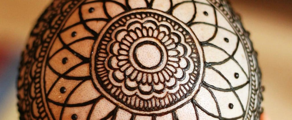 The Powerful Way One Henna Artist Is Using Her Talent to Help Cancer Patients