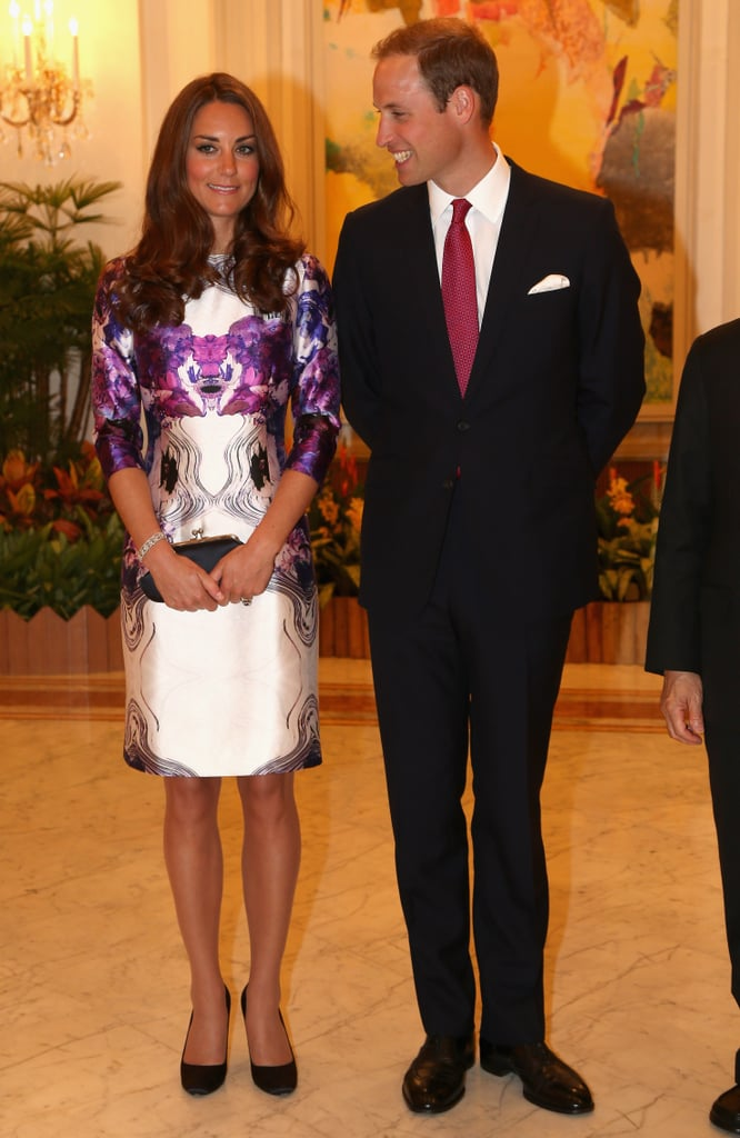 Prince William glanced at Kate Middleton.